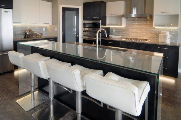 santa-monica-kitchen-glass-counter-5