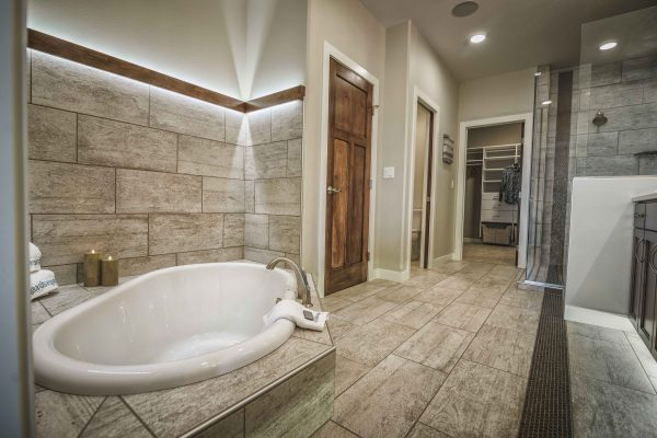 Sunken-Tub-in-Master-Bath_web