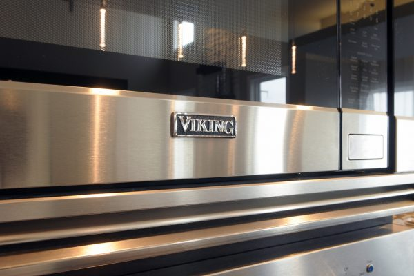 santa-monica-kitchen-viking-microwave